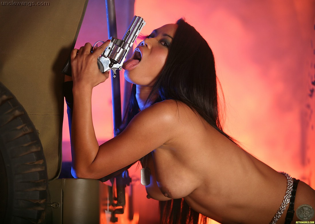 Would like Porn girls with guns