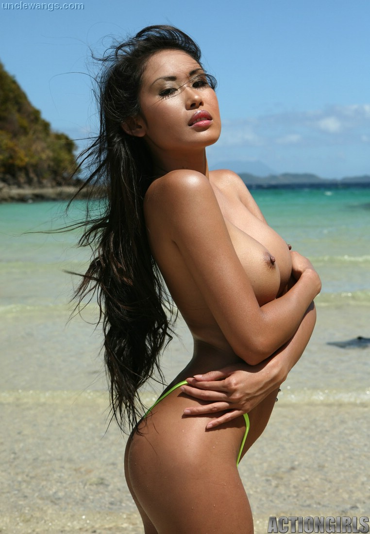 Asians nude beach photos